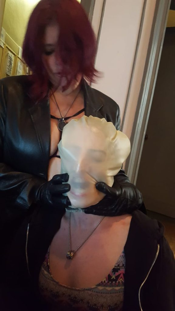 mistress-vixen-BP-latex-hood