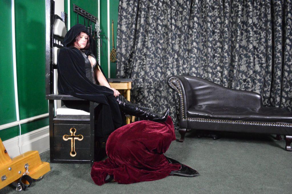 mistress-vixen-glasgow-religious-roleplay